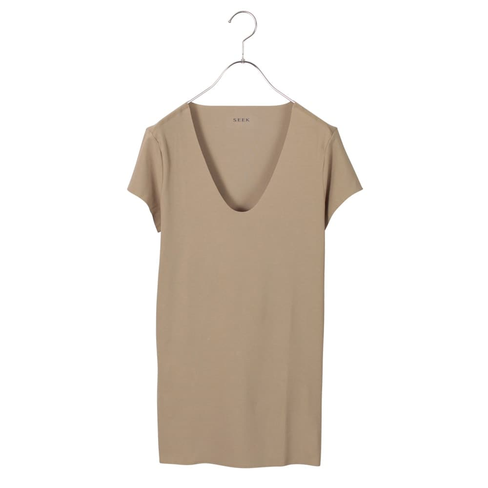 UネックTシャツ(袖短め)