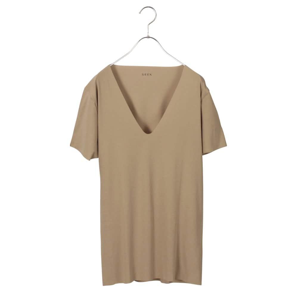 VネックTシャツ(襟ぐり深め)